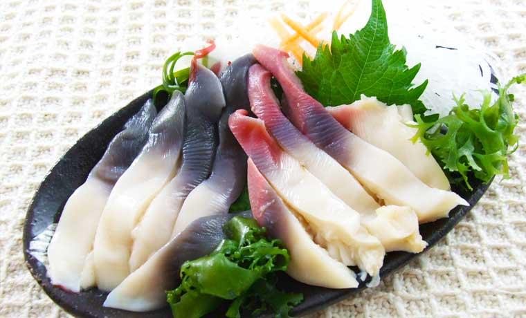お刺身は生とボイル、食感が異なる2つの味が楽しめます