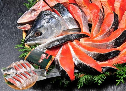 塩紅鮭「低温熟成造り」半身900g(甘塩仕立て・個別包装)