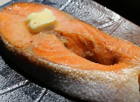 サーモントラウトステーキセット 150g×5切(バター付・個別包装)