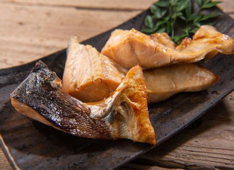 塩時鮭切身「カマ」 500g×4袋(北海道産)